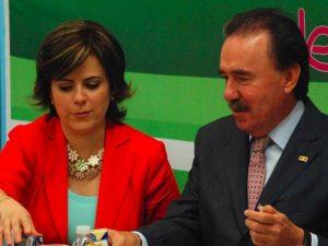 Emilio Gamboa Patrón Hilda Flores